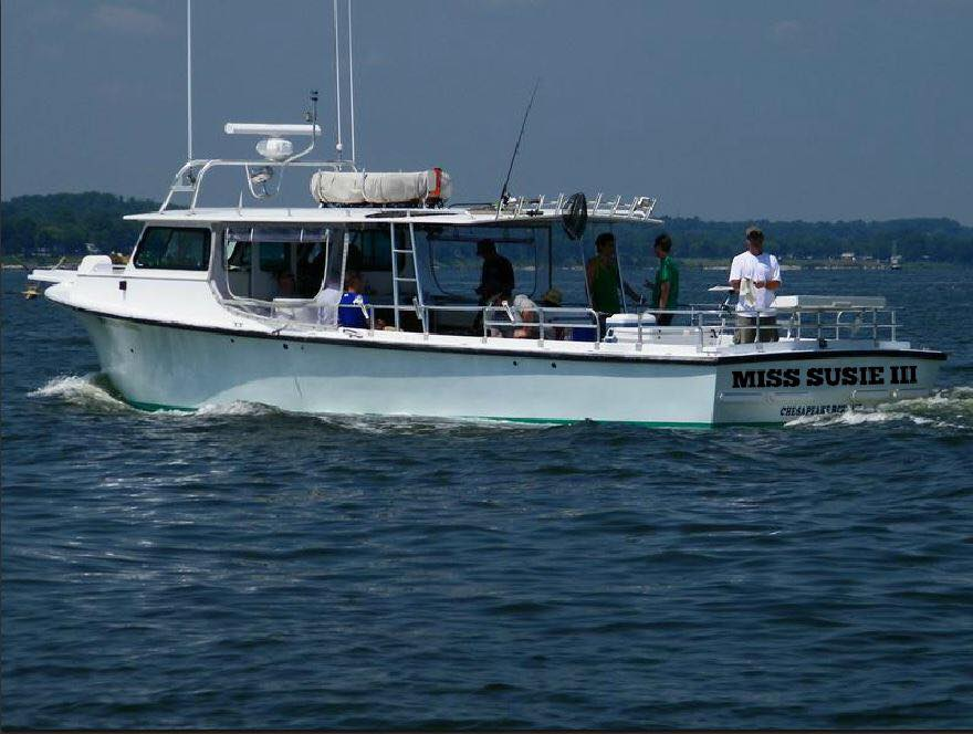 charter-fishing-chesapeake-bay-calm-waters