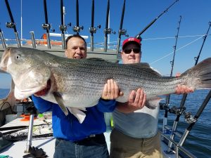 chesapeake-bay-fishermen-with-a-big-catch-on-the-charter